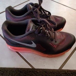 2014 Nike Air Max womens 7.5